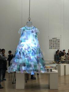 ビームスの制作で展示した《ももももワンピ》は、「ART」の部で展示した齋藤裕一さんが描いた《ドラえもん》をモチーフにしたという