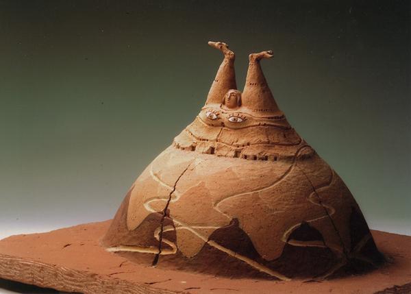 「山越女神」テラコッタ、石/H30×W51×D48cm/1997