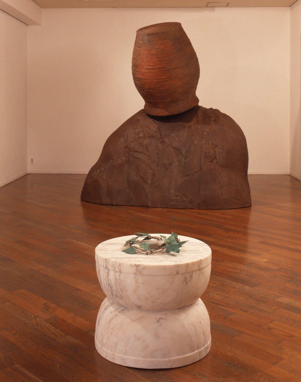 A Level、大理石、銅、水、46x50.5cm、1989