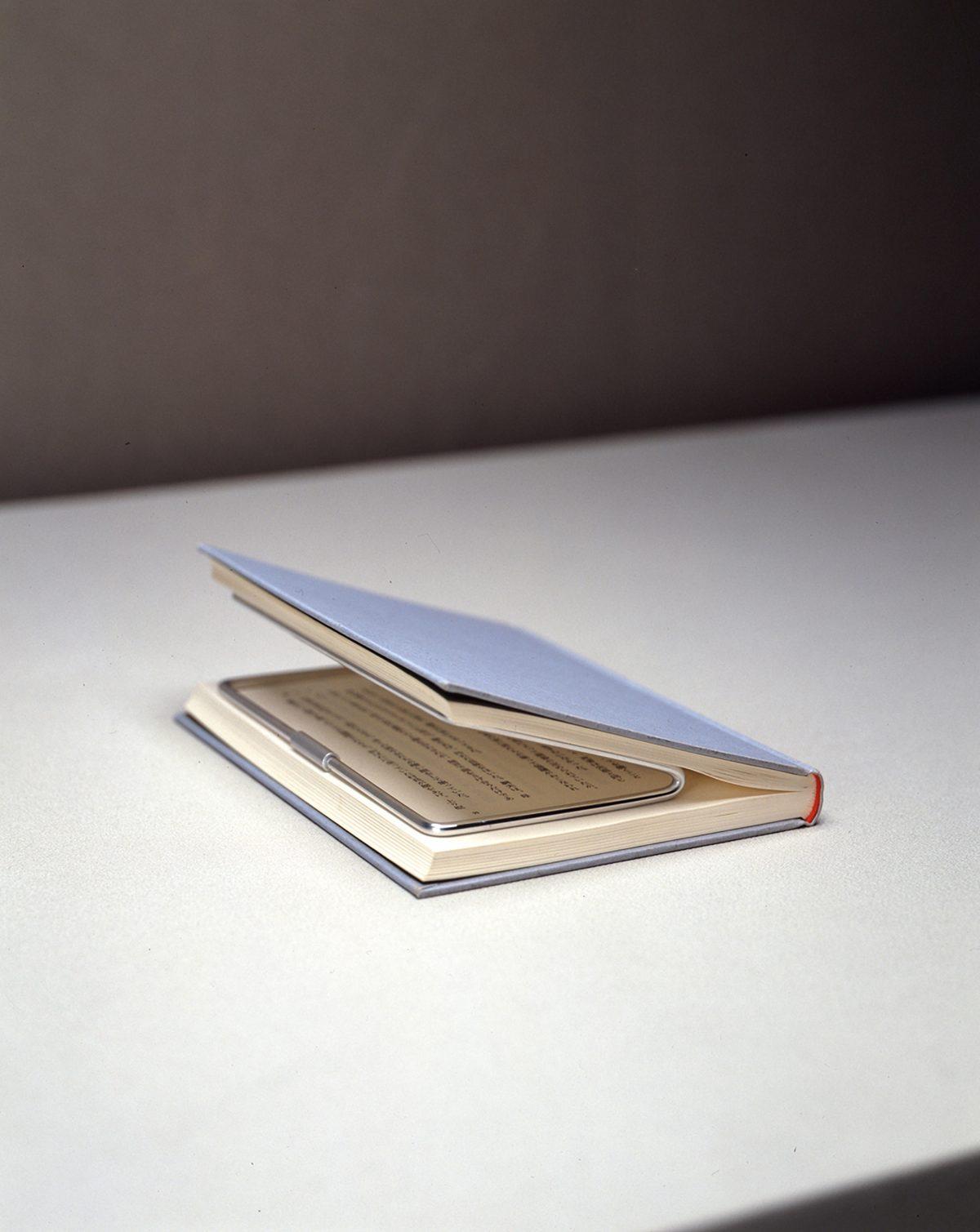 ブックホルダー(単行本サイズ)/ アルミ / 3.8×8.8×17 / 2000